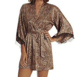 In Bloom leopard Print Silky Robe